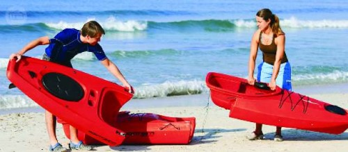 kayaks modulares rojos
